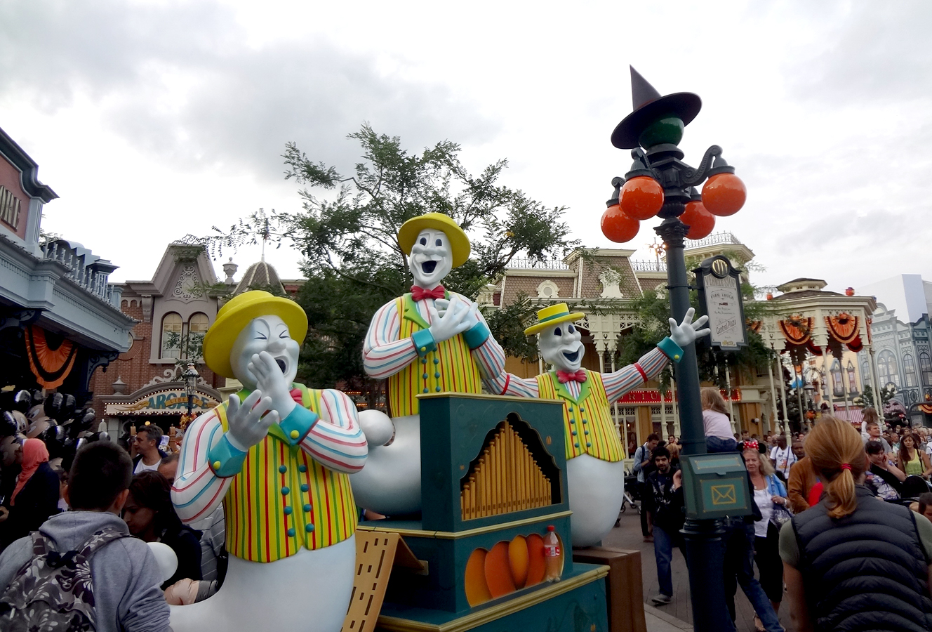 disneyland-halloween4