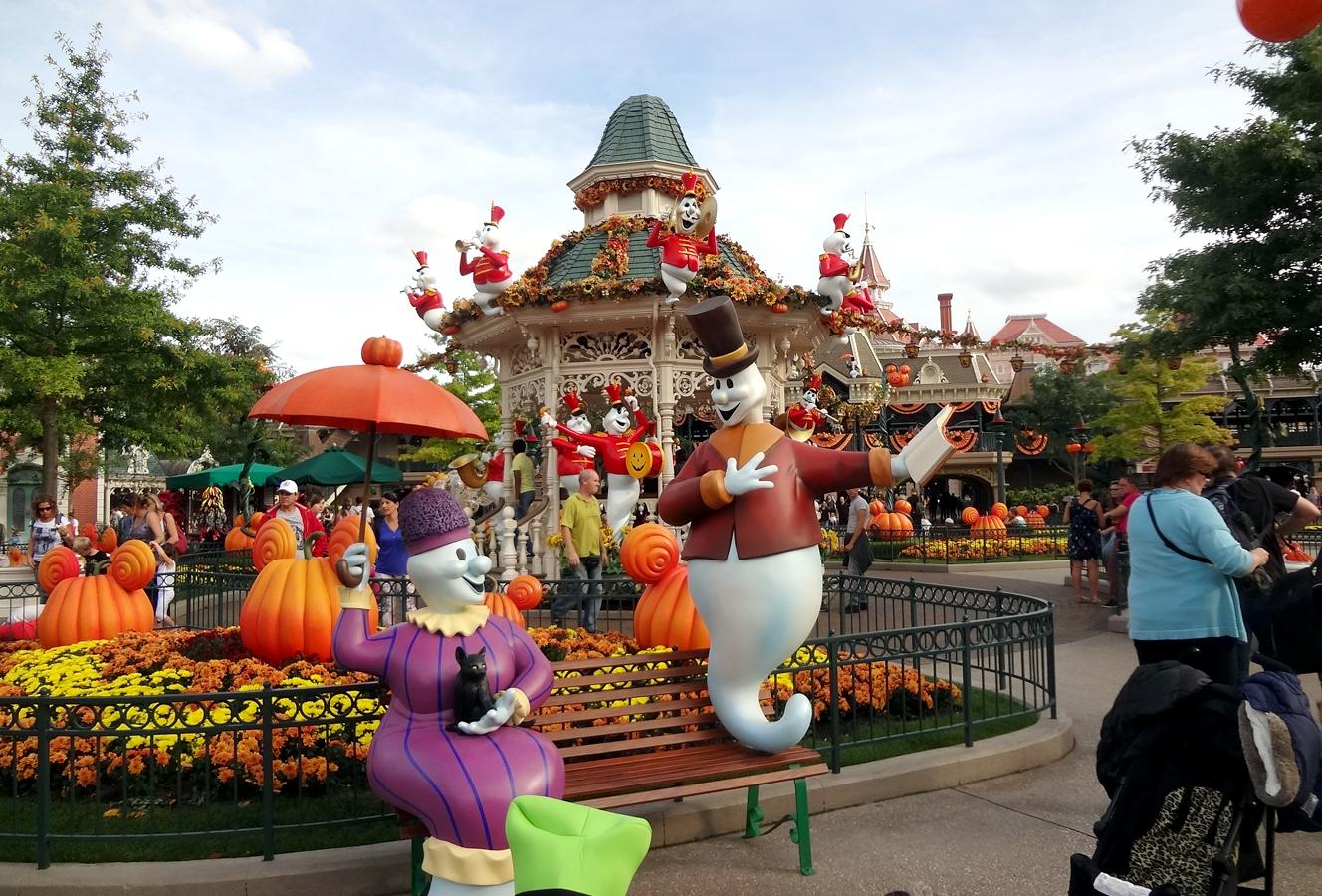 disneyland-halloween7