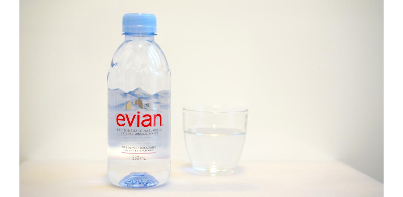 エビアンのモノプリ限定ボトルがかわいい!