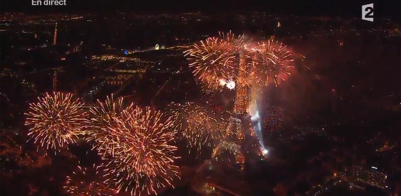 革命記念日を祝う7月14日の花火!