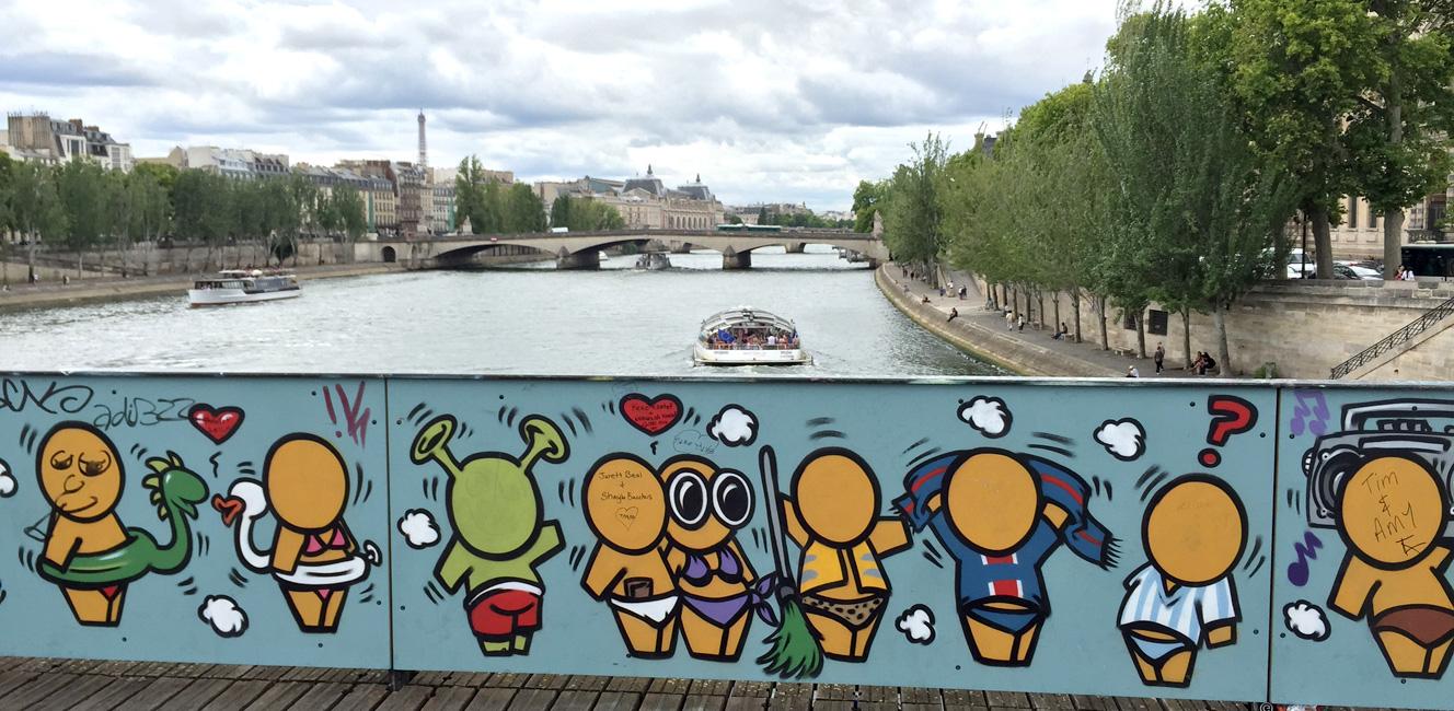 「愛の南京錠」を撤去した芸術橋の今