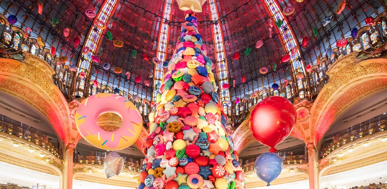 今年のギャラリー・ラファイエットのクリスマスツリー!