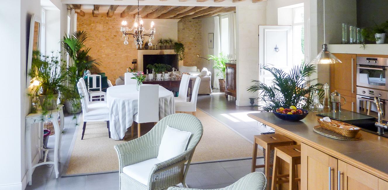 緑に囲まれた邸宅でゆったりとフランスの日常を楽しめる民宿