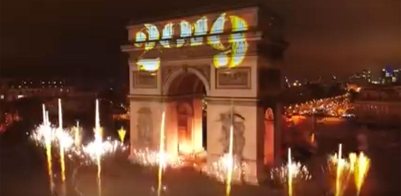 2019年元旦を祝う凱旋門のスペクタクル映像