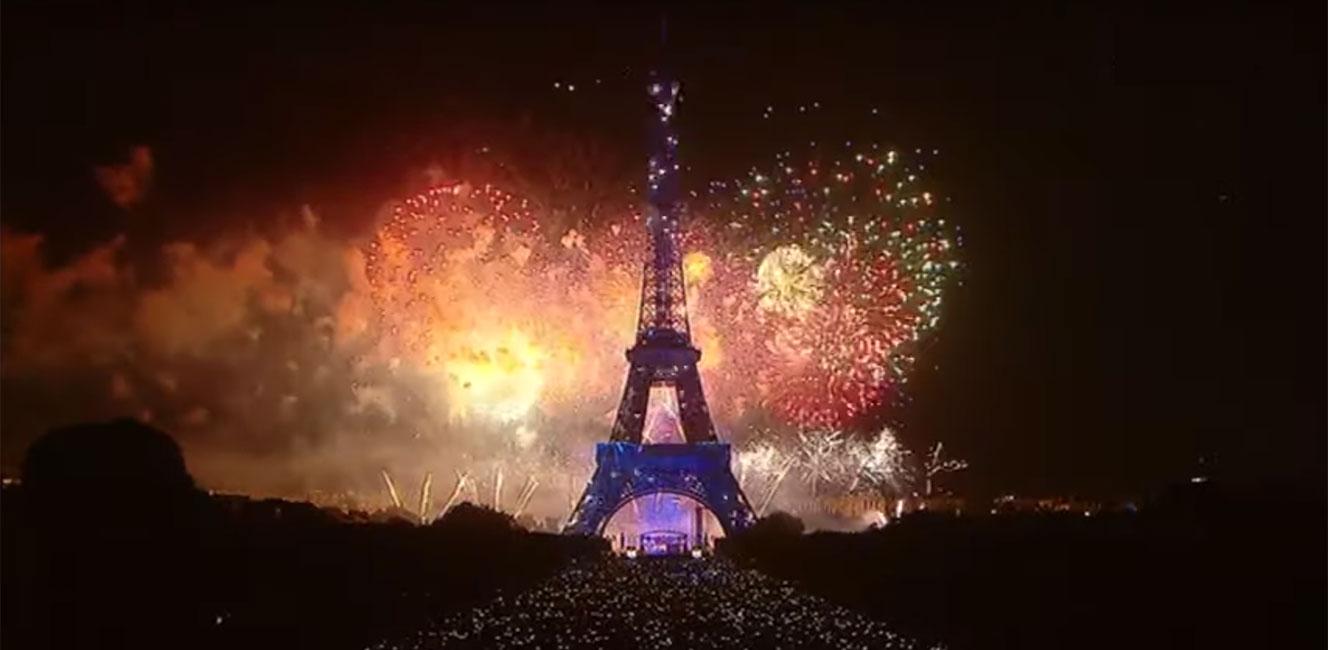 エッフェル塔の花火・フランス革命記念日2019