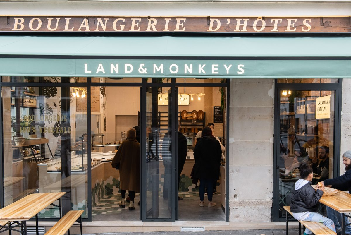 land-and-monkeys-paris4