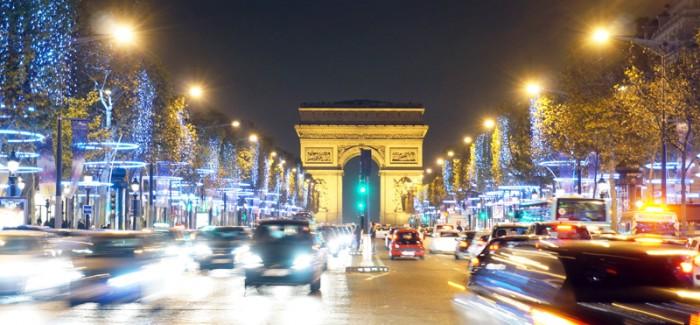 パリのクリスマス情報2015 その1:パリの街がキラキラ輝く…イルミネーション